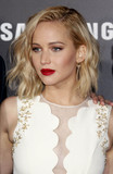 Photo - Photo by REWestcomstarmaxinccomSTAR MAX2015ALL RIGHTS RESERVEDTelephoneFax (212) 995-1196111615Jennifer Lawrence at the premiere of The Hunger Games Mockingjay - Part 2(Los Angeles CA)