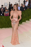 Photo - Photo by KGC-301starmaxinccomSTAR MAX2016ALL RIGHTS RESERVEDTelephoneFax (212) 995-11965216Beyonce Knowles at Manus x Machina Fashion In An Age of Technology Costume Institute Gala(Metropolitan Museum of Art NYC)