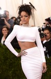 Photo - Photo by KGC-301starmaxinccomSTAR MAX2014ALL RIGHTS RESERVEDTelephoneFax (212) 995-11965514Rihanna at The Costume Institute Benefit Gala(Metropolitan Museum of Art NYC)