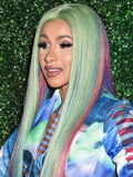 Photo - Swisher Sweets Awards Cardi B With The 2019 Spark Award